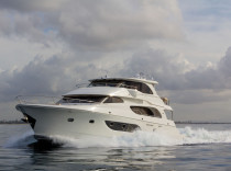 McKinna 94 Skylounge Motoryacht – A beautiful, strong and capable long-range cruiser