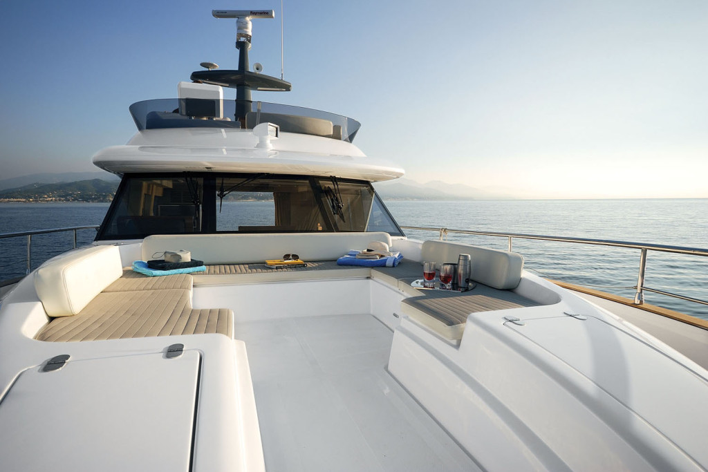 Azimut-Magellano-53-Yacht-Review-05