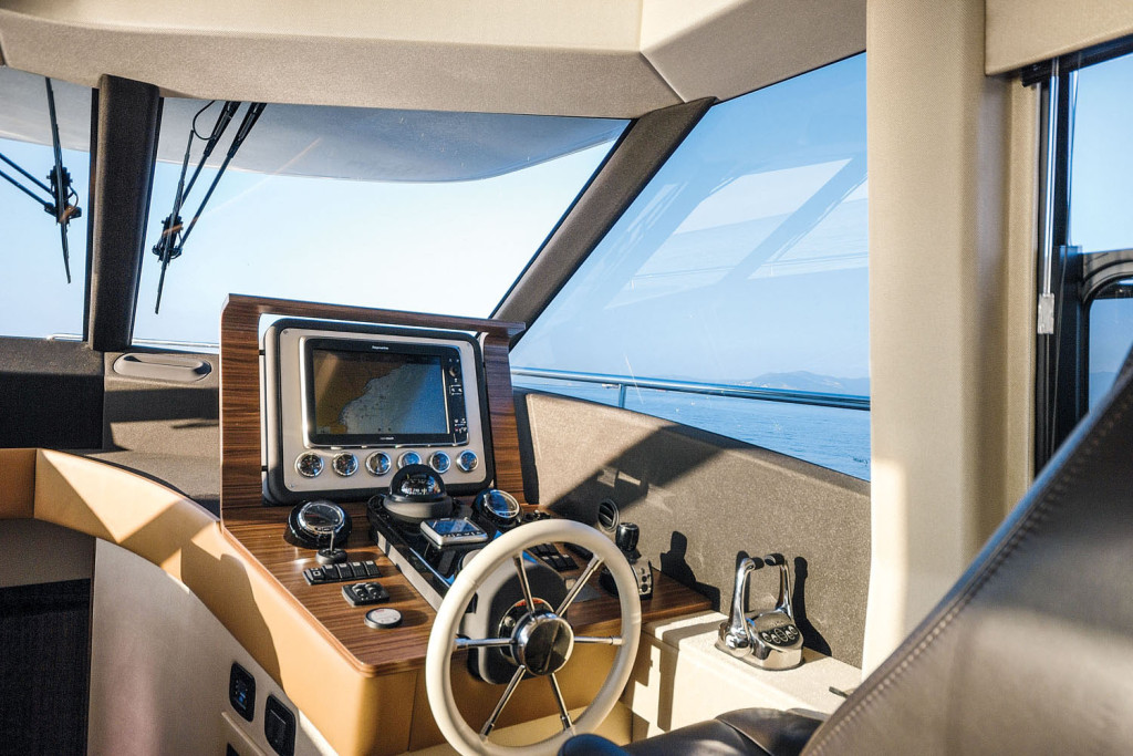 Azimut-Magellano-53-Yacht-Review-06