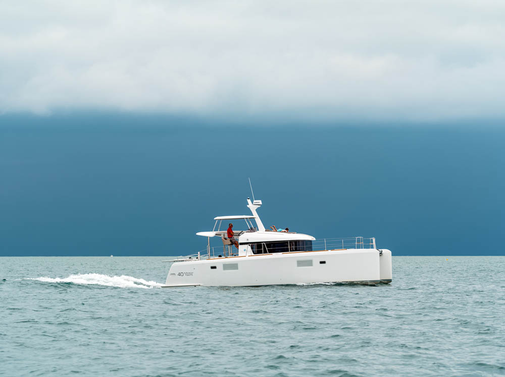 Lagoon-40-Motor-Yacht-Test-Review-01