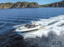 Jeanneau Leader 30 – French builder's day-tripping, overnighting 30-footer is a blast to drive.
