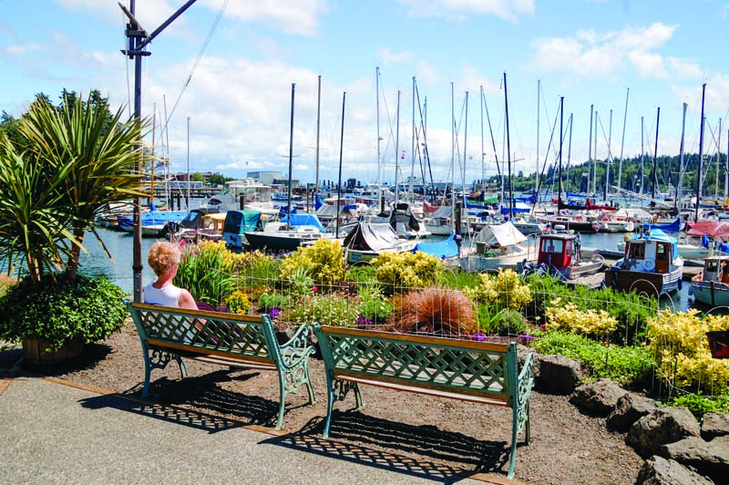 14 Relax with a view of the harbor and Winslow Warf Marina