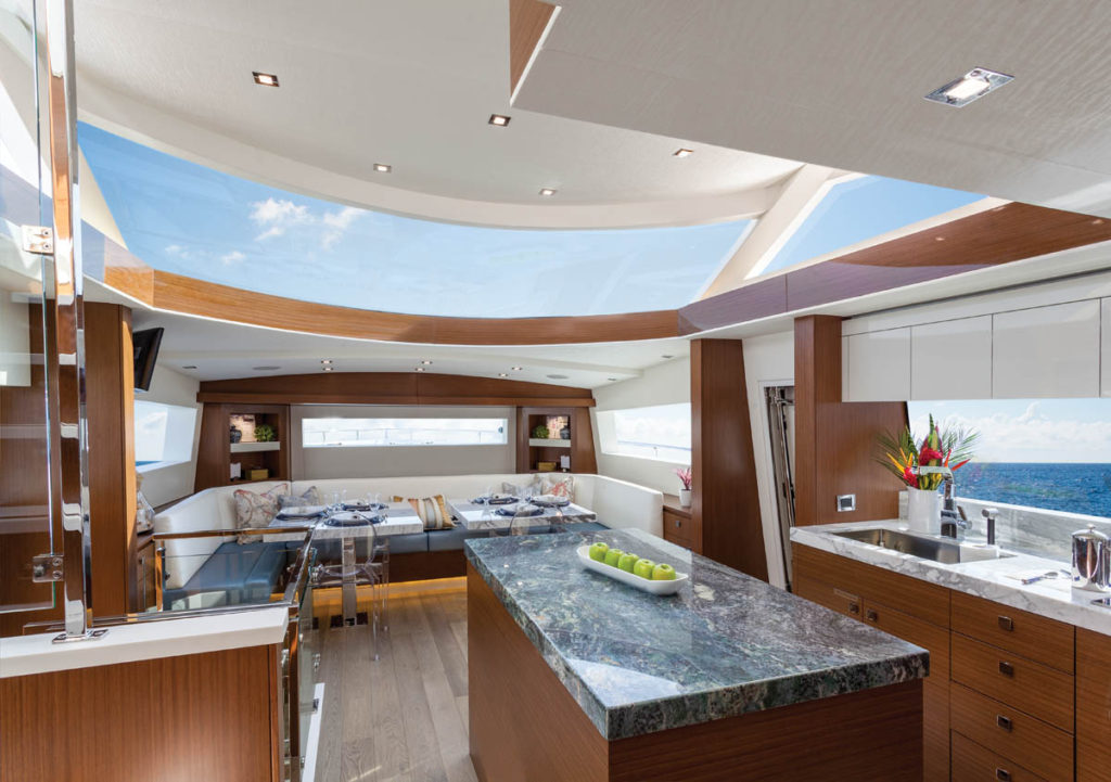 Hatteras-70-Motor-Yacht-Enclosed-Bridge-05